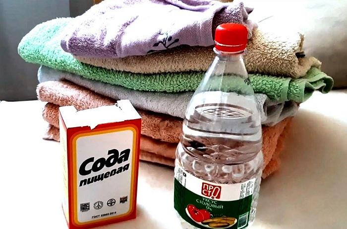 Сода и уксус вернут полотенцам мягкость. / Фото: Teleport.fun