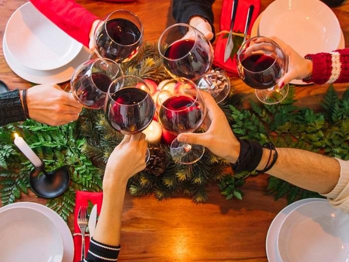 Низкокалорийный алкогольный напиток - сухое вино. / Фото: 123ru.net