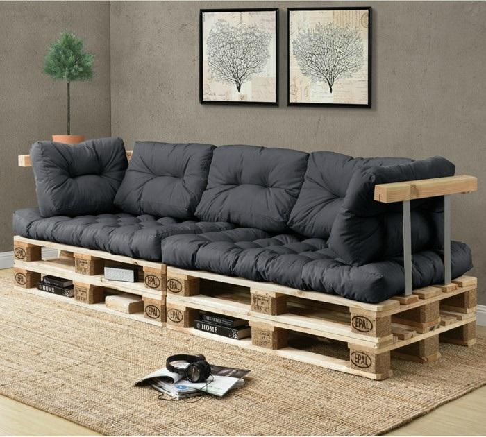 Стильный и оригинальный диван из поддонов. / Фото: 1brus.ru