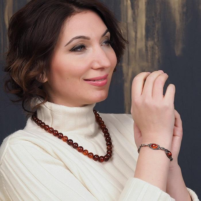 Натуральные камни не должны быть идеально круглой формы. / Фото: zen.yandex.ru