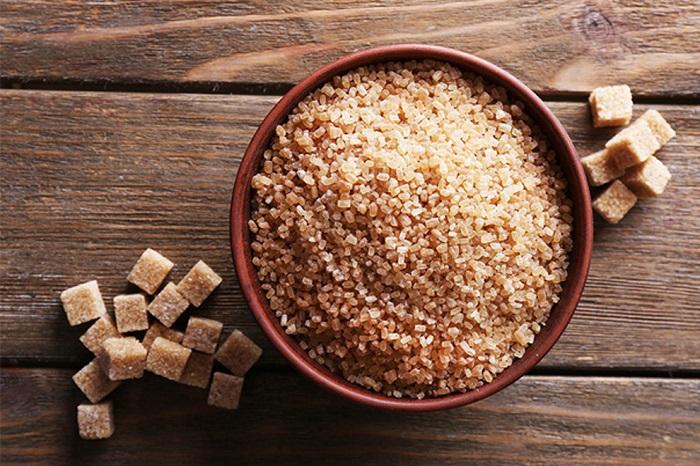 Тростниковый сахар такой же вредный, как и обычный. / Фото: fb.ru