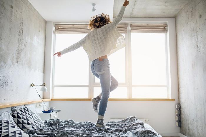Танцы сжигают до 400 калорий в час. / Фото: Anywellmag.com
