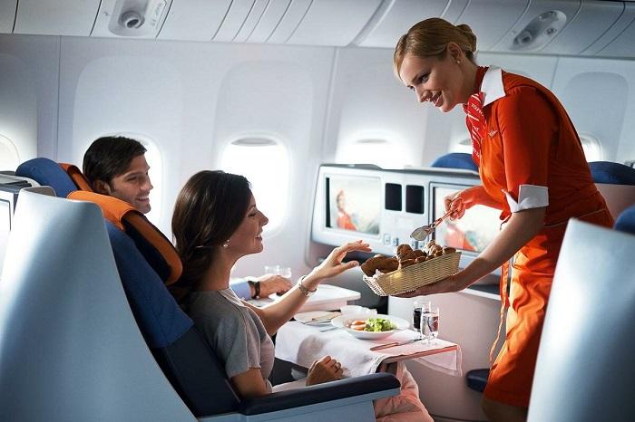 В самолете вам могут принести обед одному из первых. / Фото: Australia-travel.ru