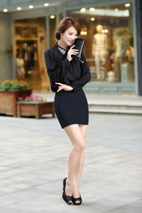 Короткая юбка нарушает дресс-код. / Фото: Ayelinta.com