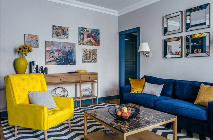 Желтый и голубой цвет в интерьере одной комнаты смотрятся слишком ярко. / Фото: Designcapital.ru