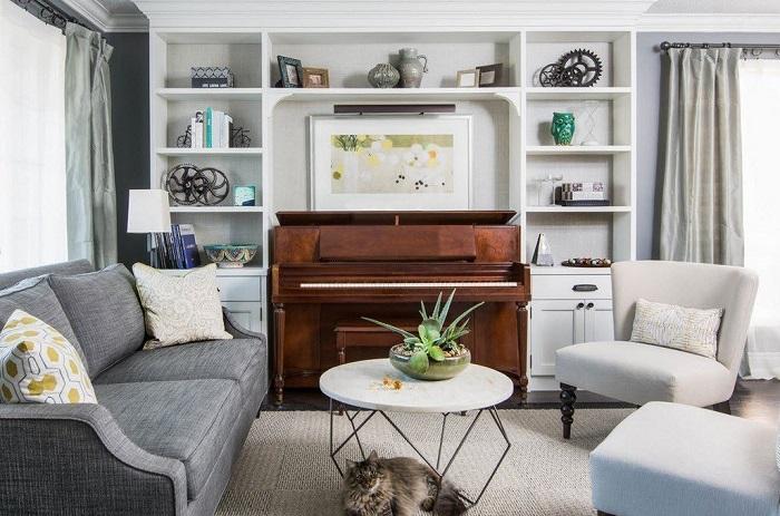 Большое количество мебели загромождает пространство. / Фото: Dizajn-gostinoj.ru