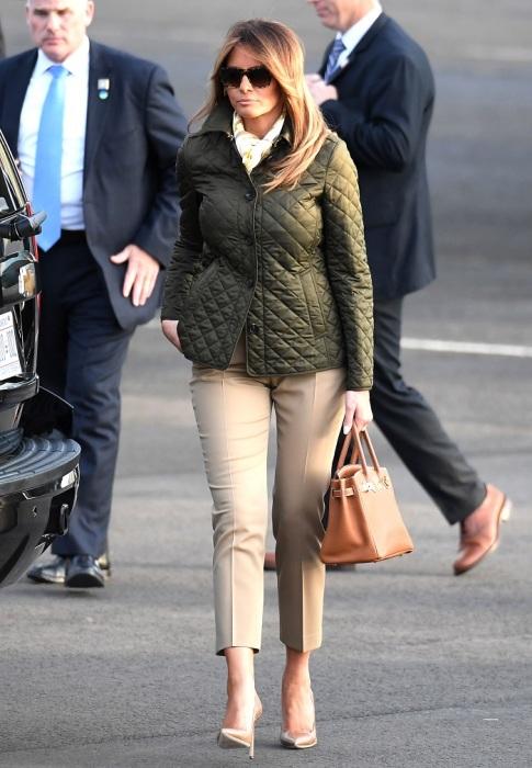 Стеганая куртка идеально сочетается с классическими брюками и туфлями. / Фото: En.redsearch.org