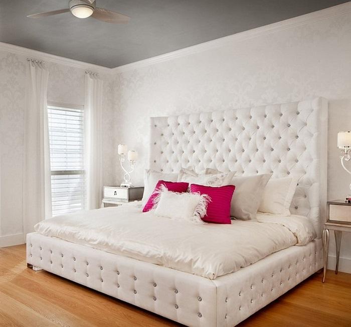 К розовым подушкам нужно подобрать пару. / Фото: Es-dv.com