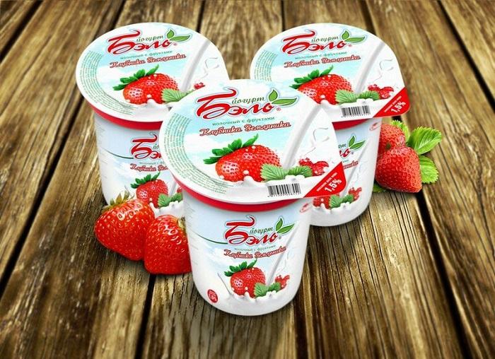 Вместо йогуртов с добавками лучше выбирать греческий. / Фото: Gastronom-nsk.ru