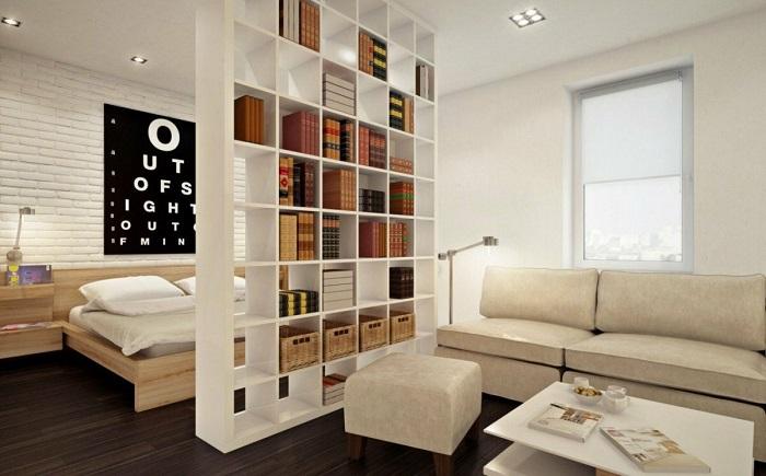 Открытый стеллаж разделит комнату на зоны. / Фото: Housechief.ru