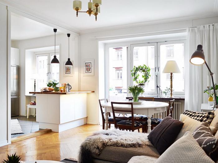 В квартире присутствует несколько видов осветительных приборов. / Фото: Inmyroom.ru