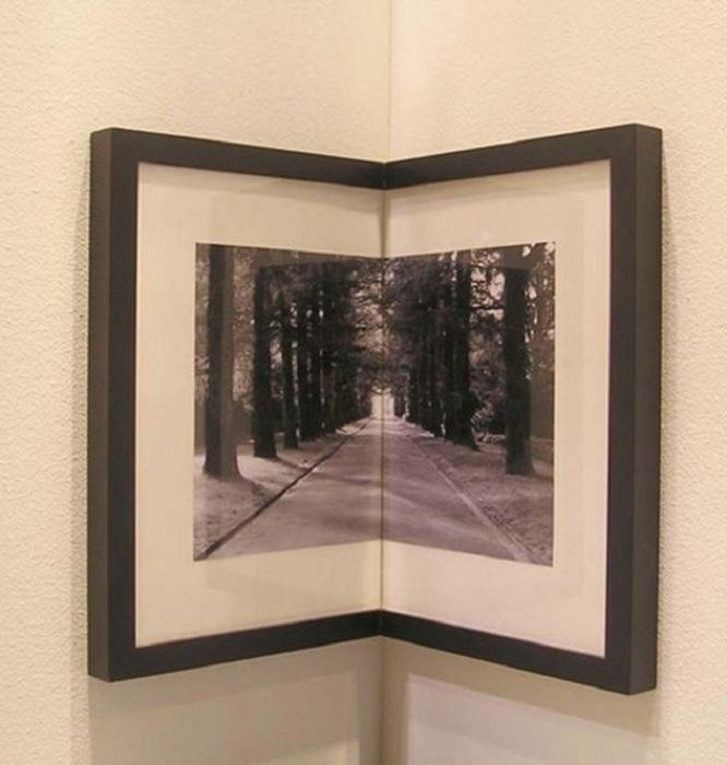 В углу прекрасно будут смотреться рамки с фотографиями. / Фото: Kakpostroit.su