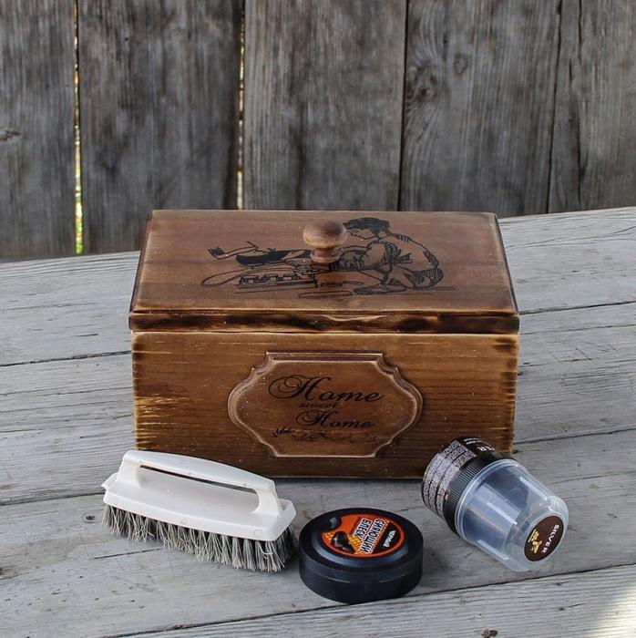 Коробка для хранения средств для ухода за обувью. / Фото: Korob-korobok.ru