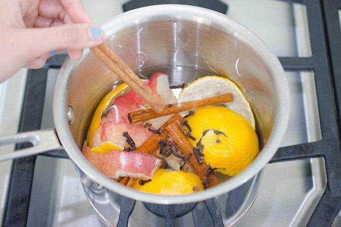 Для приятного аромата можно закипятить цитрусовые и корицу. / Фото: M.mylove.ru