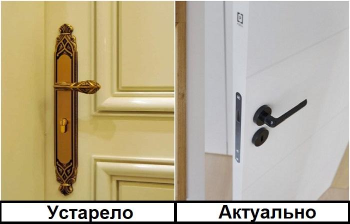 Вместо позолоченных дверных ручек лучше выбирать лаконичные черные