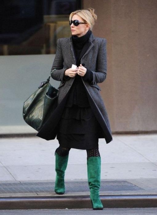 Зеленые сапоги могут стать отличным акцентом в образе. / Фото: Pinterest.com.au