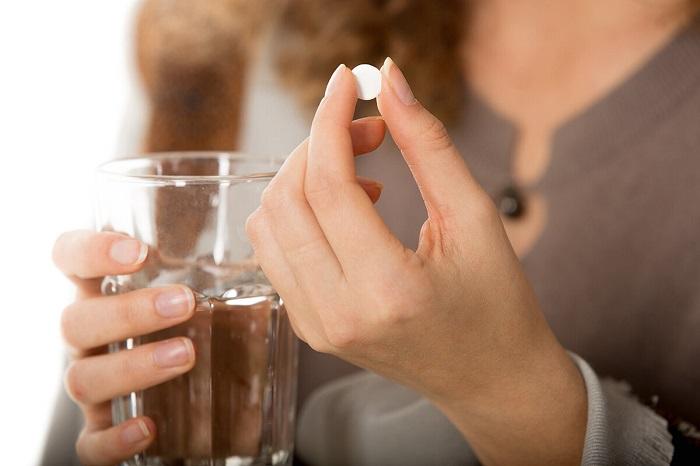Обезболивающие таблетки помешают определить интенсивности болевых ощущений. / Фото: Shokomania.ru