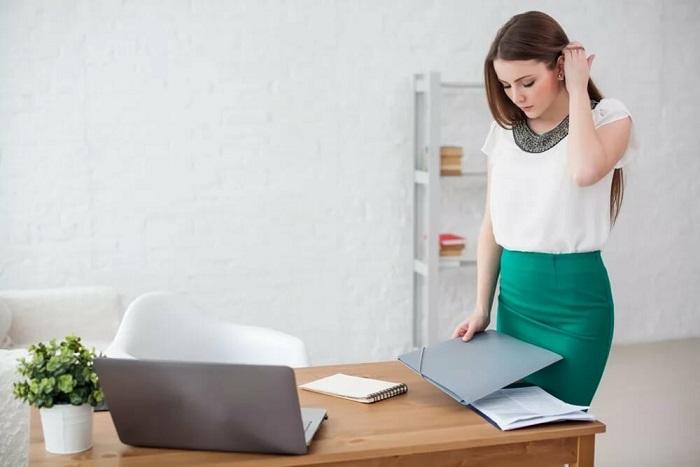 Не берите чужие документы без спроса. / Фото: Thriveglobal.com