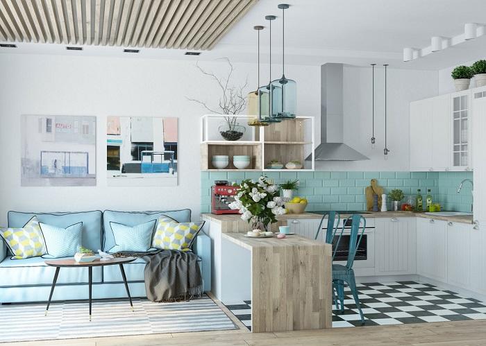 Интерьер гостиной и кухни объединяет голубой цвет. / Фото: Trizio.ru