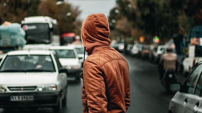 В Германии капюшон можно носить далеко не всем. / Фото: Wallpaperscraft.ru