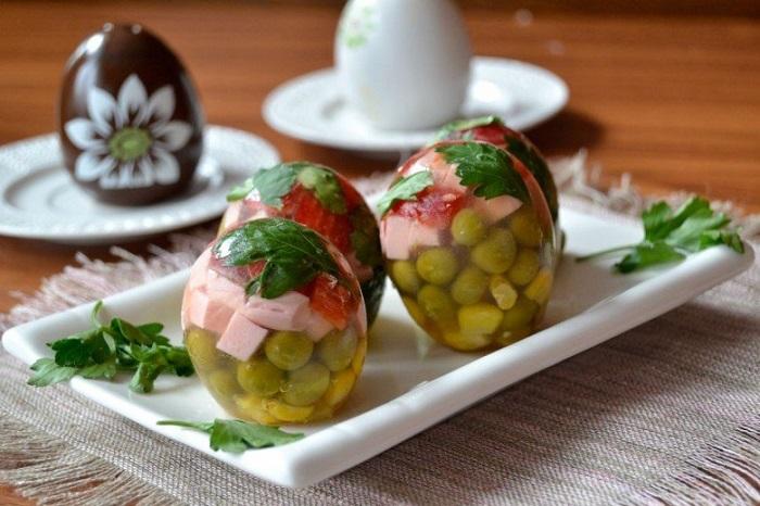 Закуска «яйца Фаберже» может не получиться с первого раза. / Фото: akademiya-siyanie.ru