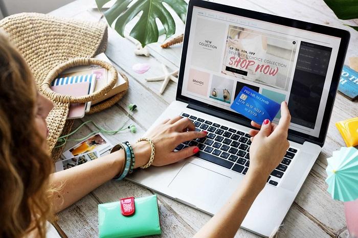 Заказывайте подарки по интернету за несколько недель, чтобы не переживать о доставке. / Фото: akket.com
