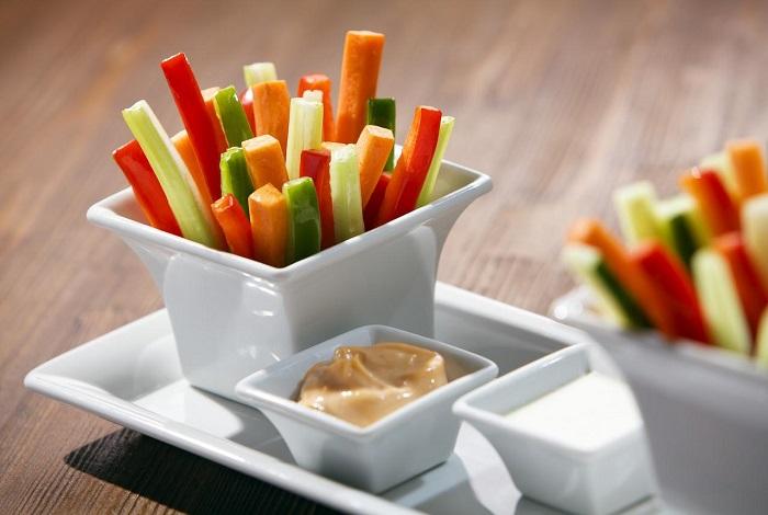 Палочки могут готовиться из разных видов овощей. / Фото: alinareyzelman.ru