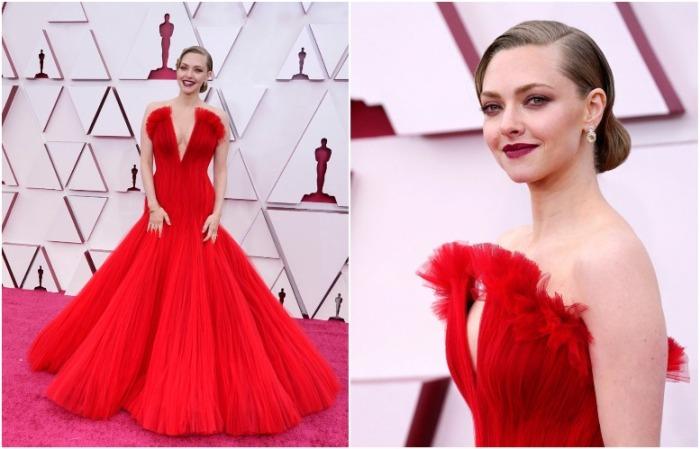 Аманда Сейфрид в красном платье от Armani Prive