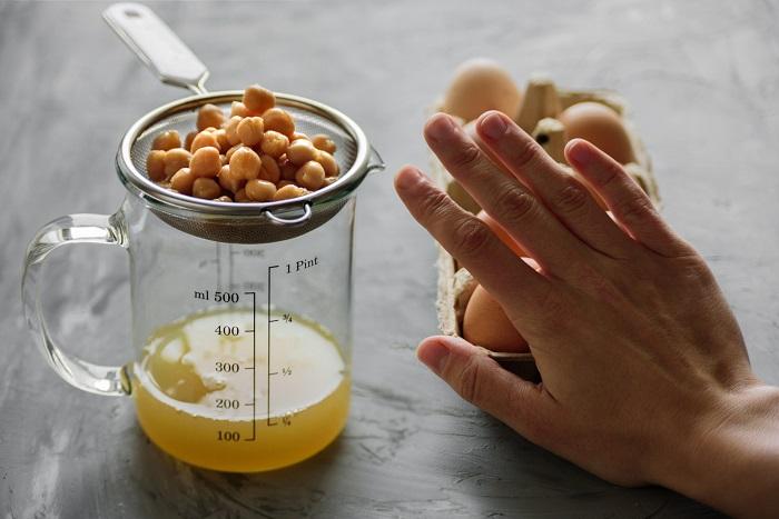Аквафаба - это жидкость из-под бобовых. / Фото: otdyhayem.com