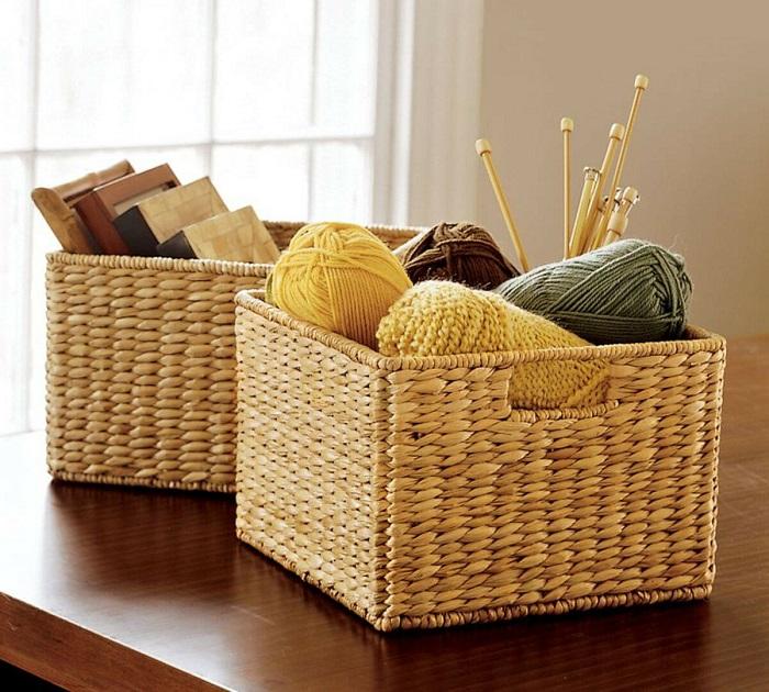 Плетеные корзины дополнят интерьер и станут отличным местом для хранения вещей. / Фото: archello.com