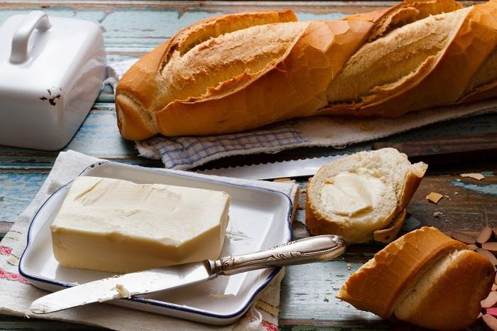 Бутерброд со сливочным маслом - отличный вариант перекуса. / Фото: diet.boltai.com