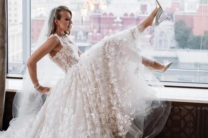 Ксения Собчак в свадебном платье. / Фото: belaruspartisan.by
