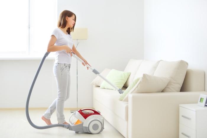 Уборка квартиры в белых тонах занимает столько же времени, сколько и наведение порядка в любой другой. / Фото: zen.yandex.ru