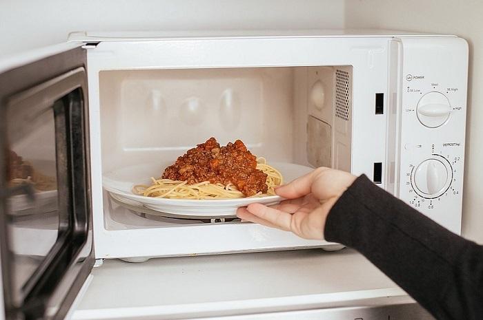 За две минуты блюдо не нагреется. / Фото: blog.comfy.ua