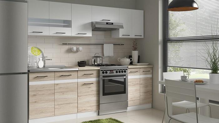 Кухня с белыми глянцевыми вставками из ДСП. / Фото: dizainkyhni.com