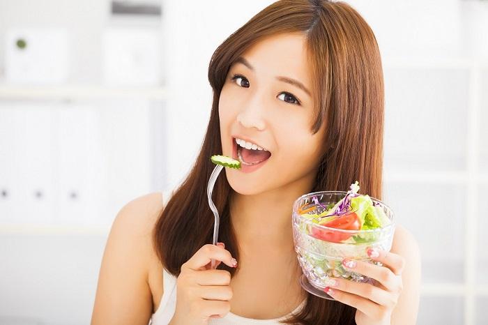 Правильное питание - важная составляющая в борьбе за красивую кожу. / Фото: beritagar.id