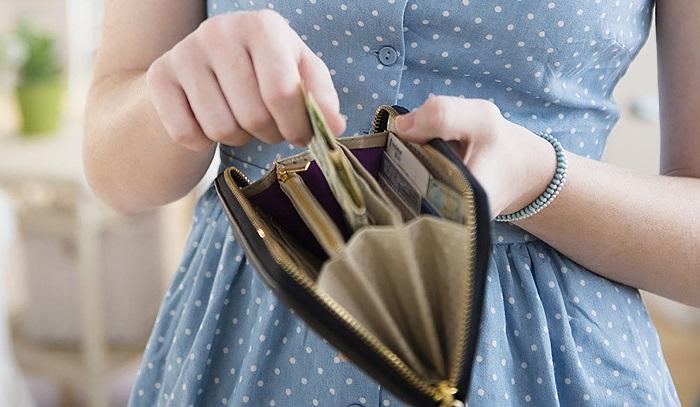 Важнее не деньги, а время, проведенное с близкими людьми. / Фото: centersoveta.ru
