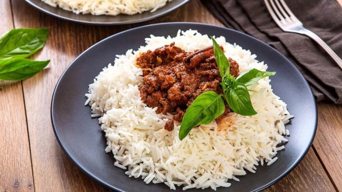 В рисе много быстрых углеводов. / Фото: chefmarket.ru