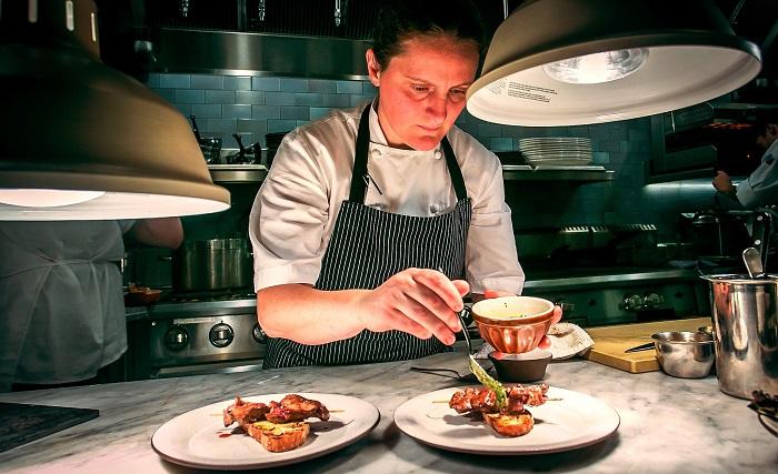 Английский шеф-повар Эйприл Блумфильд. / Фото: chefs.by