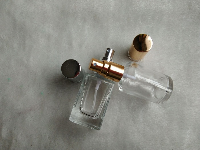 Пока не закончатся старые духи, не покупайте новые. / Фото: chinapotok.com