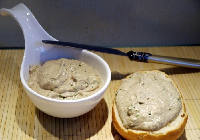 Для соуса готовую лапшу нужно измельчить в блендере. / Фото: koolinar.ru