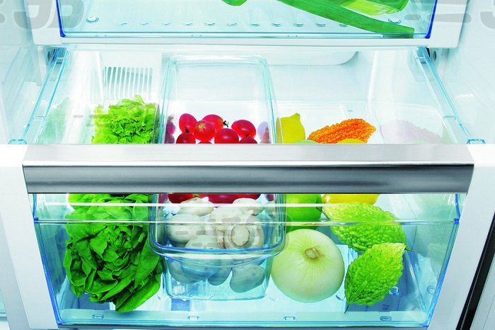 Если овощи в холодильнике пропадут, плесень появится там очень быстро. / Фото: cleanadvice.ru