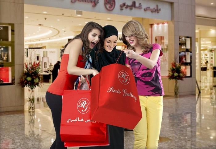 За покупками в крупные ТЦ нельзя ходить с открытыми плечами. / Фото: corstone.biz