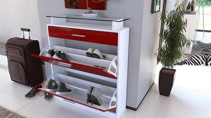 Обувница не занимает много места в квартире и помогает удобно разместить обувь. / Фото: decorationinfo.ru