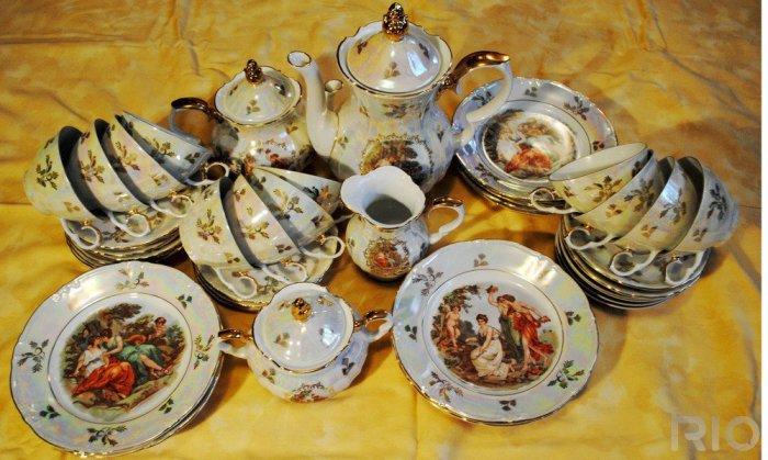 Не мойте посуду, которая досталась в наследство от бабушки, если вы цените раритет. / Фото: disput.az