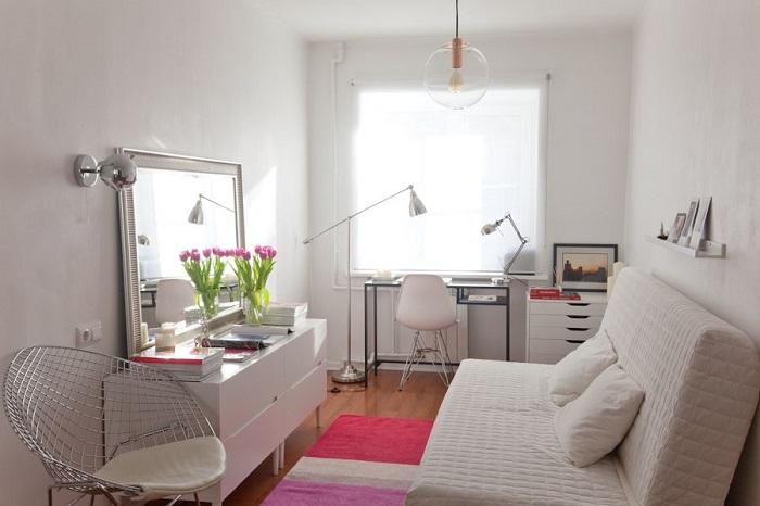 Если окна выходят на север, белоснежная комната - не лучший вариант. / Фото: pinterest.com