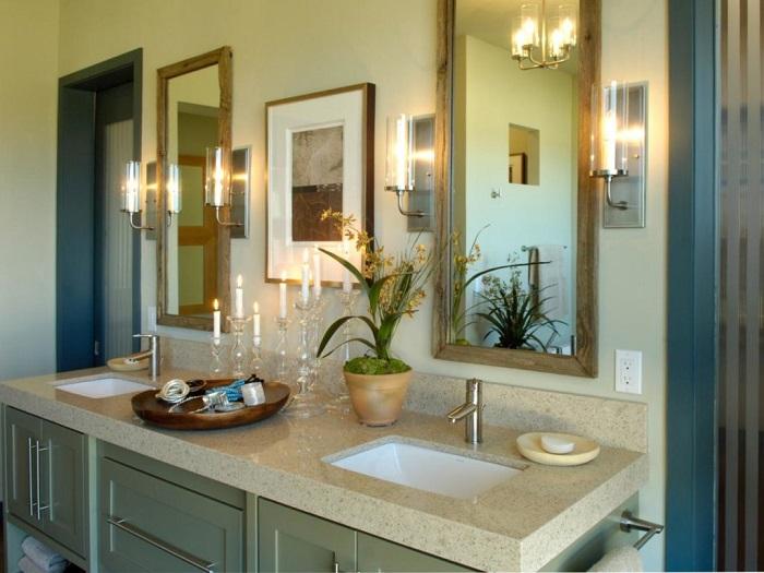 Повесьте в ванной несколько светильников, чтобы хорошо подсветить все зоны. / Фото: dizajninfo.ru