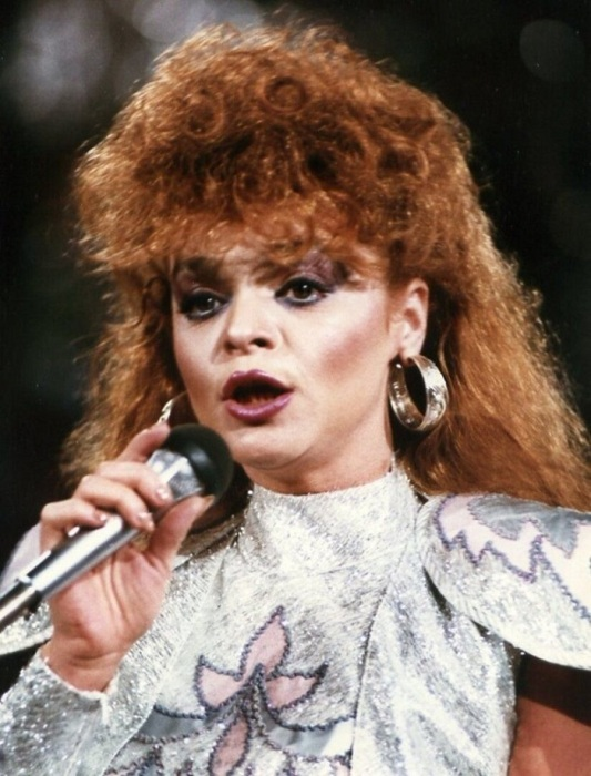 Лариса Долина на «Песне-88». / Фото: pinterest.ru