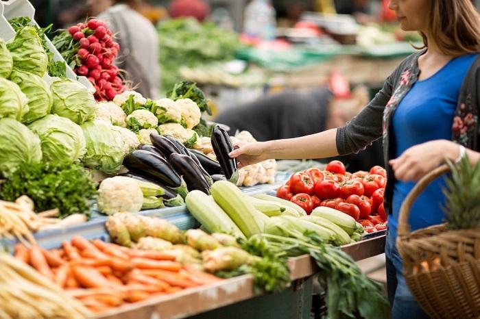 На рынке продаются самые свежие и натуральные продукты. / Фото: donday.ru