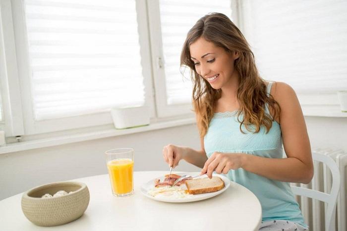 Обязательно завтракайте и запасайтесь энергией. / Фото: donpodarki.ru